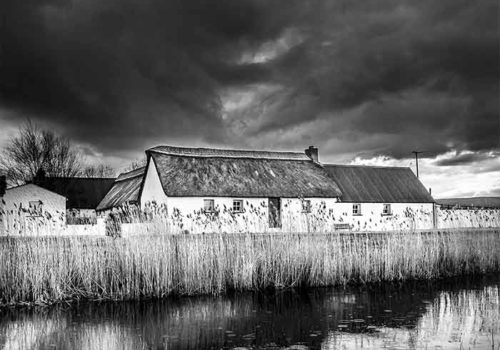 canal-cottage-bw